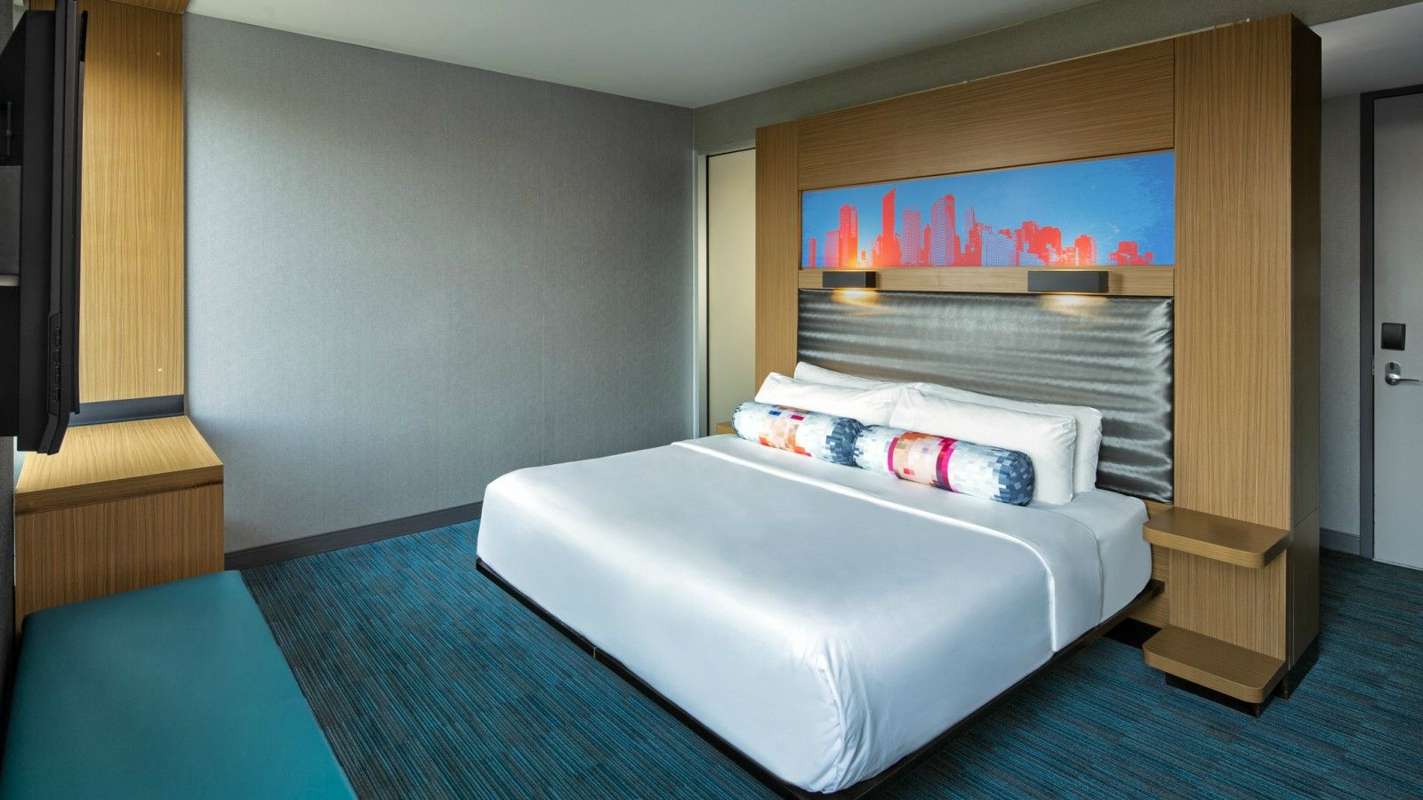 Milwaukee Accommodations - Aloft King Room