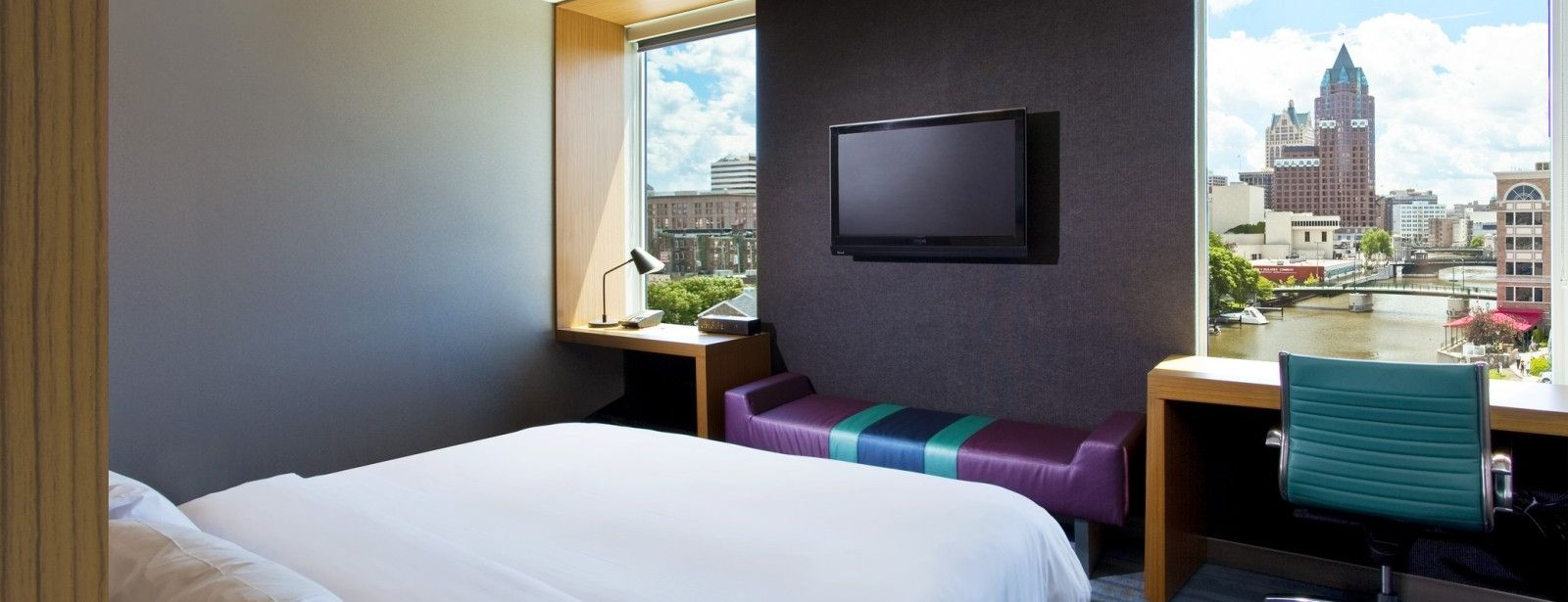 Milwaukee Accommodations - Aloft Suite