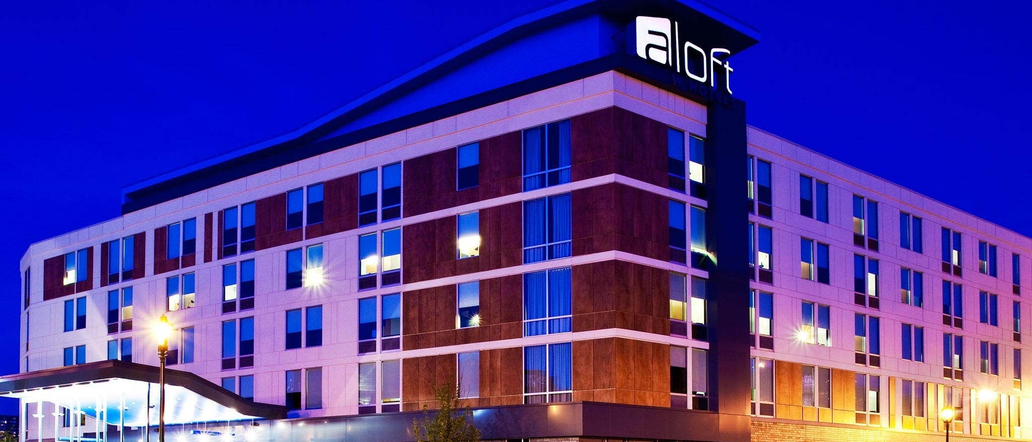 Aloft Milwaukee Downtown - Hotel Exterior
